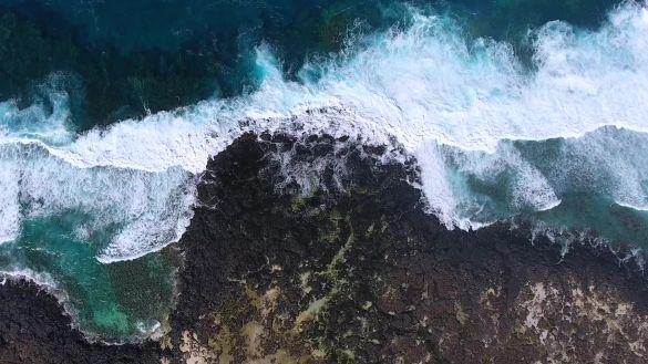 航拍俯视海浪视频素材视频素材